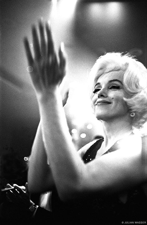 Marilyn Monroe at the Golden Globes (1962, UPI).