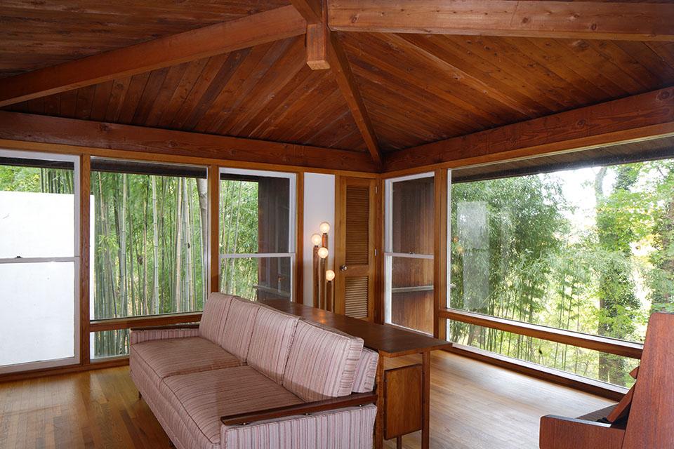 The Shapiro House living room. Photo by Matt Wargo.