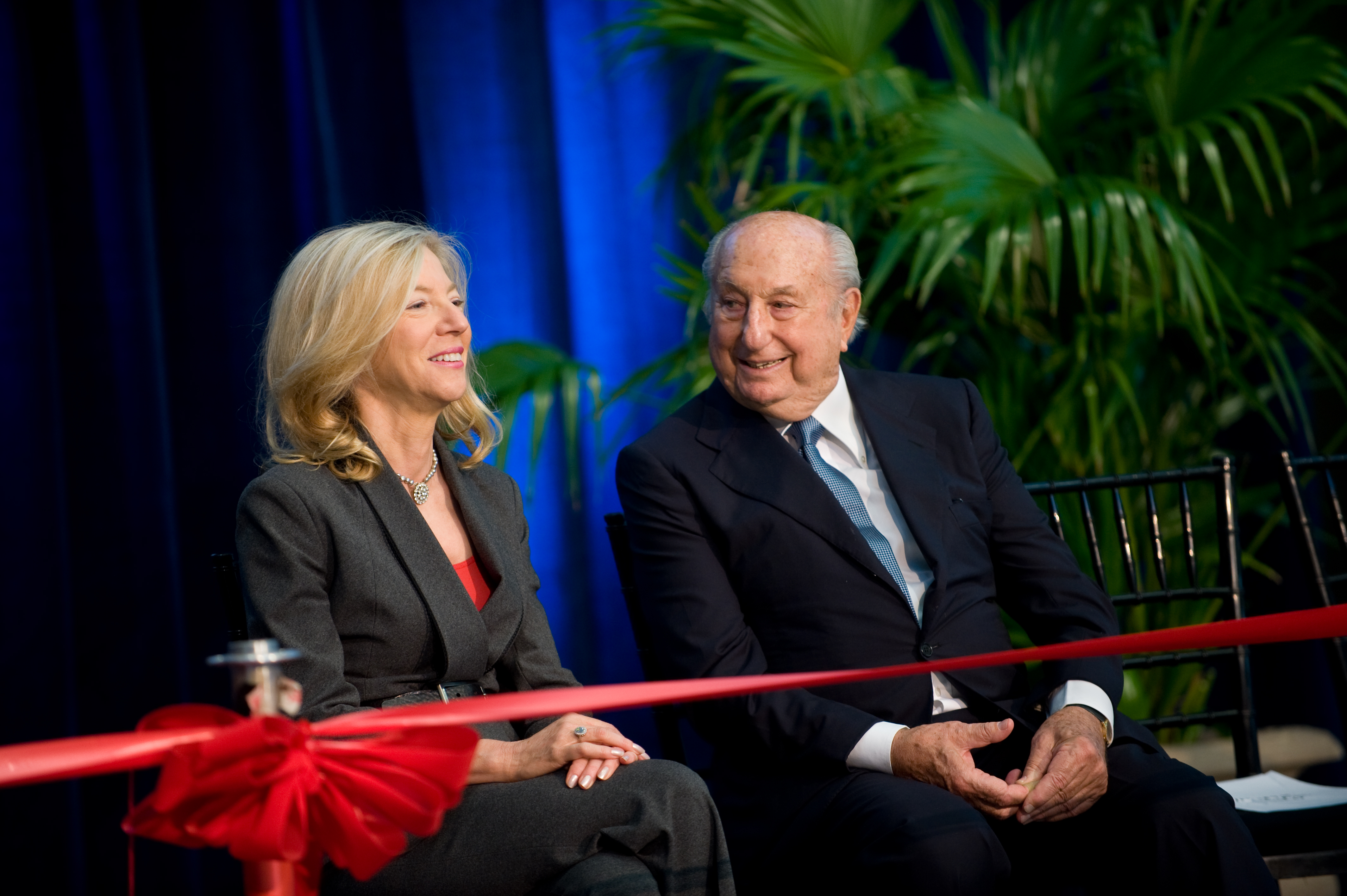 Ray Perelman takes the stage with President Gutmann for the ribbon-cutting of the Ruth and Raymond Perelman Center for Advanced Medicine on October 2, 2008. Photo credit: Jacques-Jean Tiziou.