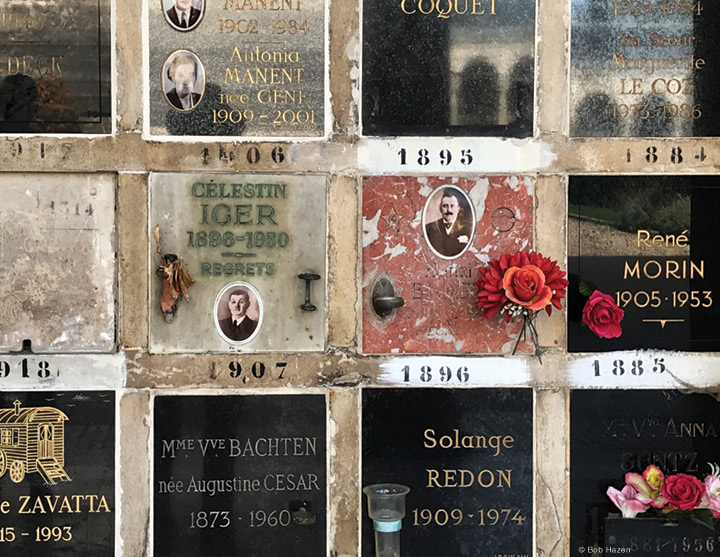 Photo of memorials at Père Lachaise cemetery