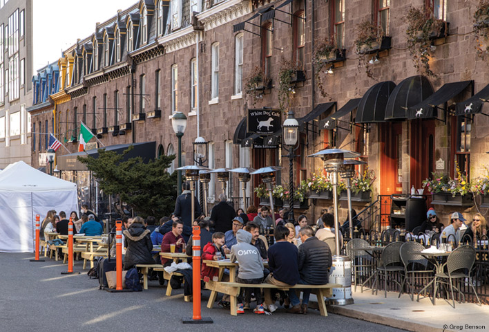 Photo of outdoor dining on Sansom Street.